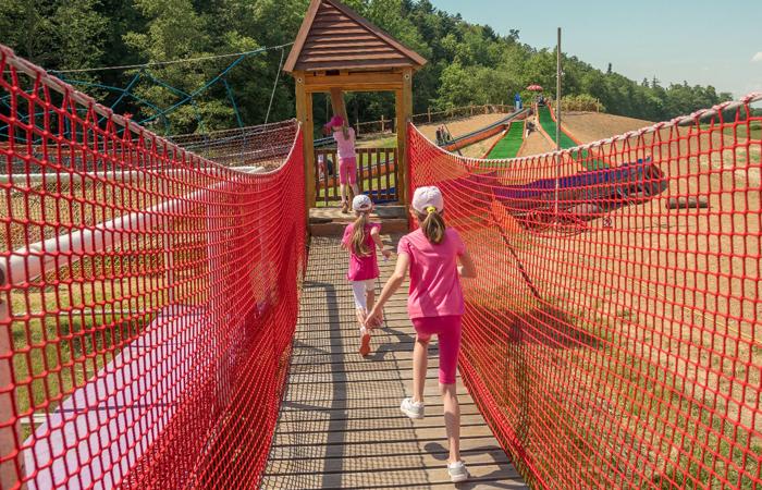 atrakce lanové centrum pro děti v areálu skalka family park ostrava