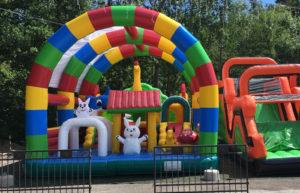 atrakce skákací hrady zoo pro děti v areálu skalka family park ostrava